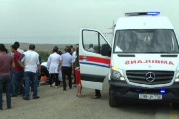 В Нефтчале опрокинулся Chevrolet: двое раненых