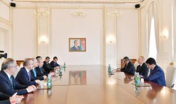Президент Азербайджана принял спикера парламента Турции