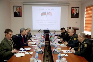 Азербайджан и Великобритания подписали план военного сотрудничества