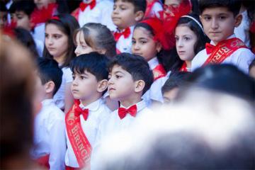 Охват электронного приема в первый класс в Азербайджане расширился