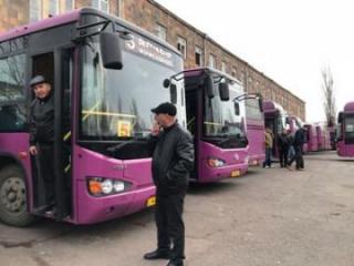İrəvanda 250-dən çox avtobus sürücüsü etiraz aksiyası keçirir