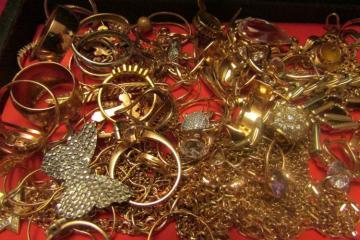 Из квартиры в Баку похищено золото на 40 тысяч манат