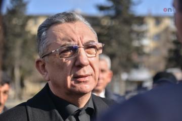"""Eldar Əzizov: """"Prezident Bakıda heykəllərin qoyulması barədə tapşırıq verib"""""""