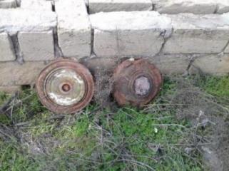 Mehdiabad qəsəbəsində iki mina tapılıb