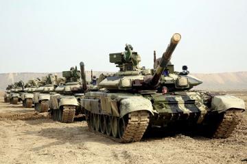 Танковые подразделения выполняют задачи в ходе масштабных учений - [color=red]ВИДЕО[/color]