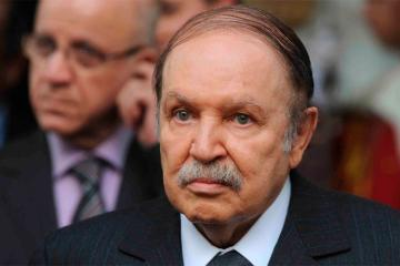 Правительство Алжира ушло в отставку на фоне протестов