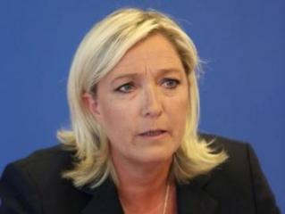 Французская оппозиция требует прекратить выдачу виз алжирцам
