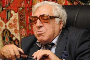 """Anar: """"Vəsaitin hamısı yazıçılara xərclənəcək"""""""
