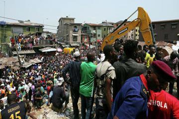 В Нигерии число погибших при обрушении здания школы достигло восьми человек