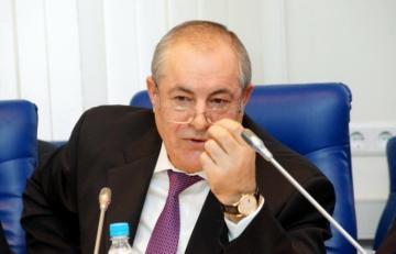 В России депутат азербайджанского происхождения отказался от мандата