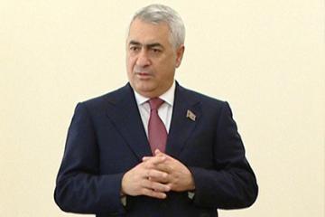 """Cavid Qurbanov: """"Bu il dəmir yolu ilə yükdaşımaların həcminin 600 min ton təşkil edəcəyi gözlənilir"""""""