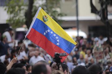 Venesuela hökuməti müxalifəti danışıqlara çağırır