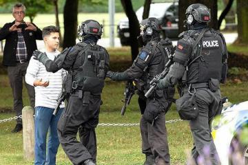Yeni Zelandiyada yarıavtomatik silahların satışı dayandırıla bilər