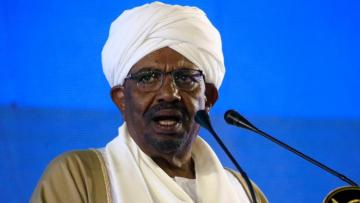 Hundreds protest in Sudan, keep up pressure on Bashir