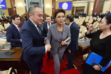 Dariqa Nazarbayeva Qazaxıstan Senatının sədri seçilib