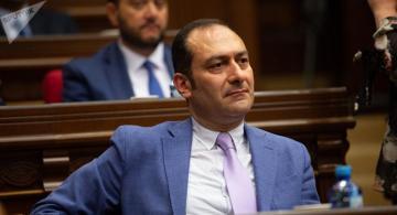 Армянскому министру угрожают расправой из-за его мнения о гражданине Азербайджана