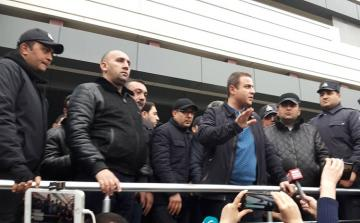 The director of the Diqlas shopping center meets with fire affected entrepreneurs