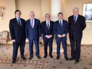Проходит встреча сопредседателей с главой МИД Армении