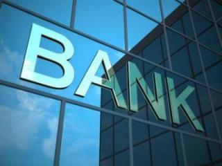 """Ekspert: """"Banklar vergi borclarına görə sahibkarların hesablarını tam dondurmamalıdır"""""""