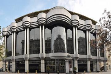 В Баку состоялась премьера спектакля «14 писем Богу»