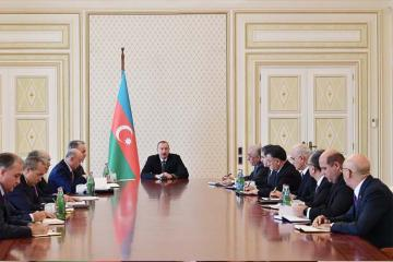 """Deputatlar: """"İlham Əliyev bir daha sübut etdi ki, hər bir azərbaycanlının prezidentidir"""" - [color=red]SORĞU[/color]"""