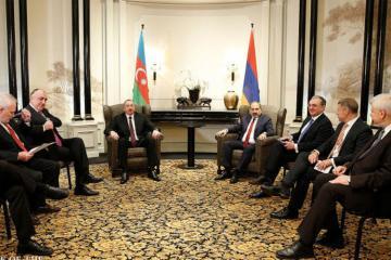 Посредник по Карабаху назвал встречу президента Азербайджана и премьера Армении эффективной