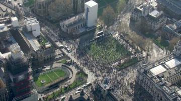 """""""Brexit""""i dəstəkləyənlər Londonda parlament qarşısında aksiya keçirir"""