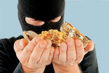 В Баку из дома украли золото на 50 тысяч манатов