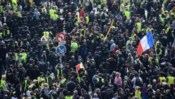 """Fransada """"Əmək günü"""" ilə əlaqədar keçirilən nümayişlərdə 151 min nəfər iştirak edib"""