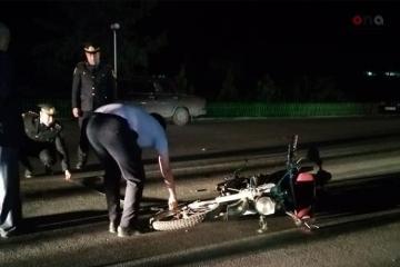Ağdamda motosikletçi qəza nəticəsində ağır xəsarət alıb