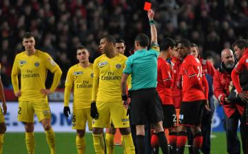 Fransa Futbol Federasiyası Mbappeni 3 oyunluq cəzalandırıb