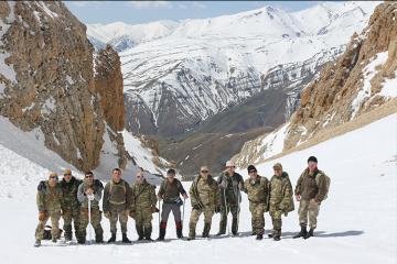 Сотрудники СГБ и ГПС поднялись на «Вершину Гейдара Алиева»