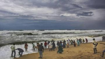 Cyclone Fani hits Indian coast, a million people evacuated