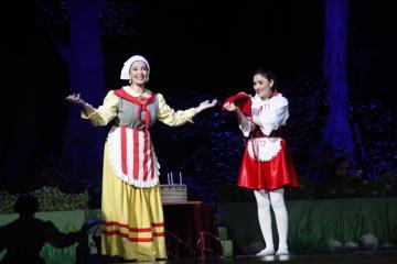 """Musiqili Teatrda """"Qırmızı papağ""""ın premyerası olacaq"""