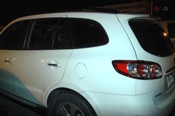 Bakıda avtomobilin vurduğu piyada başqa nəqliyyat vasitəsinin altında qalıb - [color=red]FOTO[/color] - [color=red]VİDEO[/color]