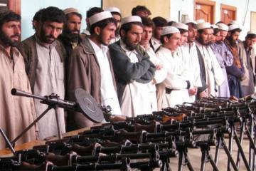 """""""Taliban"""" Əfqanıstanda polis idarəsinə hücum edib, onlarla ölü və yaralı var"""