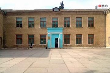 Sumqayıtda qəzalı orta məktəb binası sökülür - [color=red]FOTO[/color]