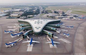 AZAL: Dumanlı hava şəraiti Heydər Əliyev Beynəlxalq Aeroportunun işinə təsir etməyib