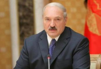 Aleksandr Lukaşenko Qələbə günü münasibətilə Prezident İlham Əliyevi təbrik edib