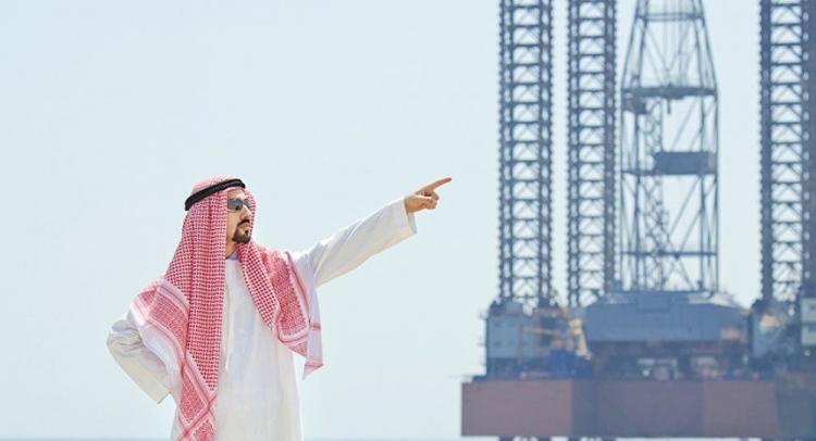 Səudiyyə Ərəbistanı dünya neft bazarında İranı əvəzləməyə hazır olduğunu bəyan edib