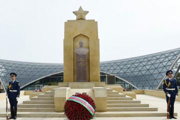 President Ilham Aliyev attends ceremony to mark May 9 - Victory Day in Baku