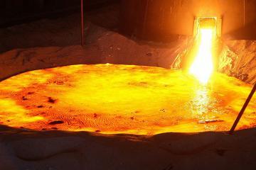 В Турции на заводе разлилось восемьдесят тонн жидкой стали