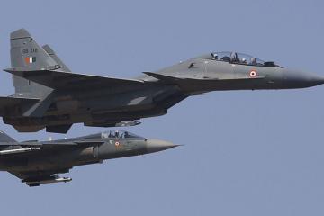 ВВС Индии вынудили приземлиться отклонившийся от курса грузинский самолет