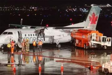 В аэропорту Торонто бензовоз врезался в самолёт
