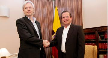 Ecuadorian court grants $50,000 bail to ex-FM supporting Assange