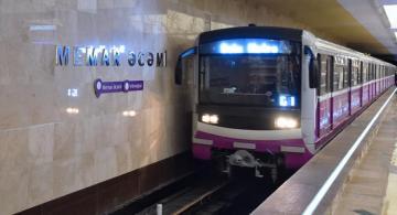 Metroda qatarların hərəkətində ləngimə baş verib
