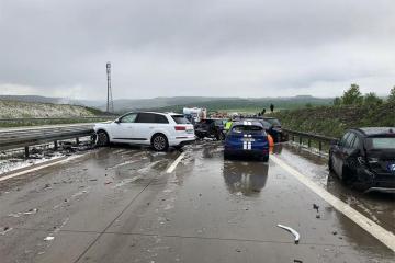 İspaniyada 12 avtomobilin toqquşduğu qəzada azı 25 nəfər xəsarət alıb