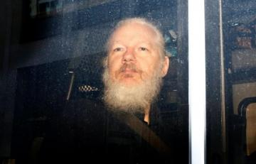 Sweden to request Assange's extradition from UK