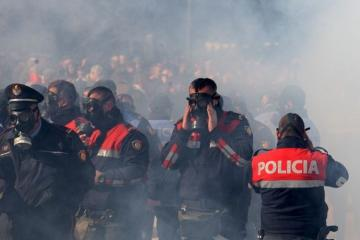 Albaniyada keçirilən etiraz aksiyalarında azı 50 nəfər saxlanılıb, yaralılar da var