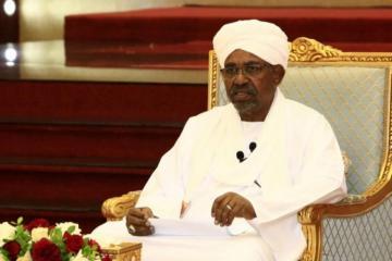 Прокуратура Судана обвинила экс-президента в причастности к гибели протестующих